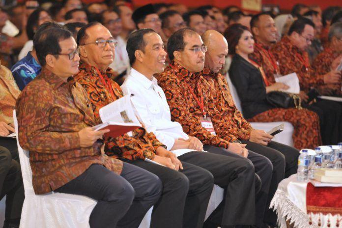 Foto: Presiden Jokowi saat menghadiri Rembuk Nasional ke-3 Tahun 2017, di JI-Expo Kemayoran, Jakarta, Senin (23/10) malam.