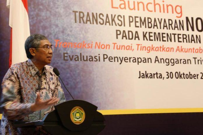 Foto: Wakil Menteri Keuangan Mardiasmo Selaku Narasumber dalam Kegiatan Launching Non Tunai, Rabu (30/10).