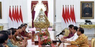 Foto: Presiden Jokowi menerima pengurus Pusat Persekutuan Gereja Pentakosta Indonesia, di Istana Merdeka, Jakarta, Jumat (3/11)