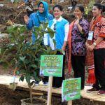 Iriana Jokowi Tanam Pohon