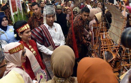 Jokowi Ingin Sertifikat Halal