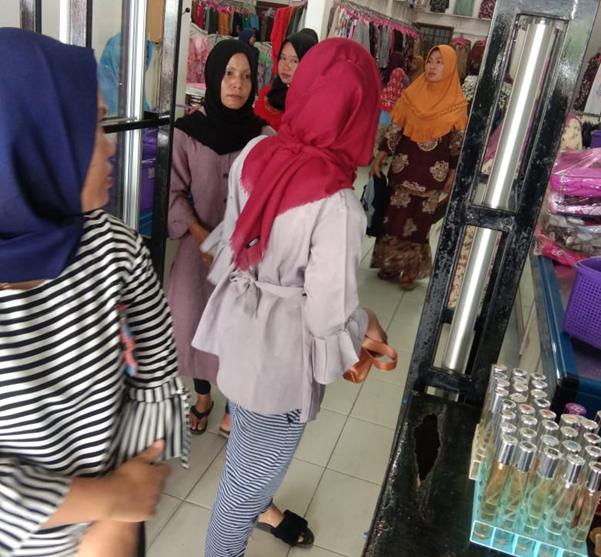 Warga Kota Pinang