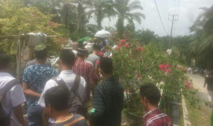 Mengharukan, Pemakaman Almarhum Terduga Narkoba Ditembak, Disambut Doa Ratusan Warga