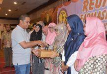 Bupati Tapteng Hadiri Reuni Akbar Alumni SMK Farmasi Pharmaca