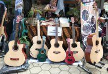 Omzet Ratusan Juta, Anak Desa Jual Gitar Kayu