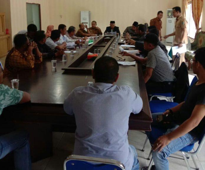 RDP, Aktivis Nilai Bupati Zahir Tak Bisa Manajemen Konflik