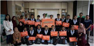 CATCHPLAY Serahkan Donasi ke DD Pendidikan untuk Anak Marginal