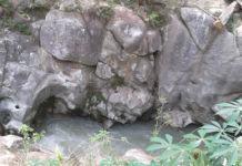Tarean, Desa Ajaib Dengan Sungai Berdinding Batu Raksasa