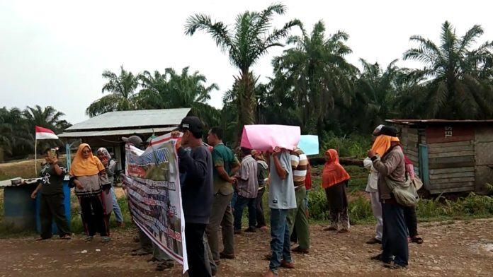 Warga Bilah Hilir, Aksi di PT CSR Negeri Lama