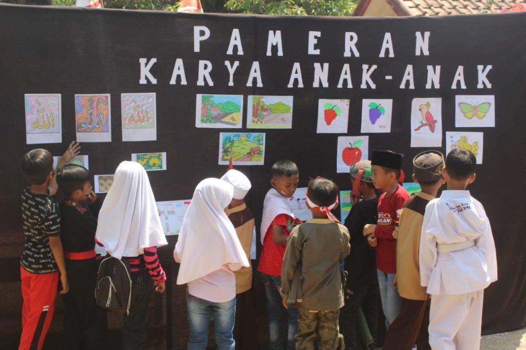Karang Taruna Dan Mahasiswa/I KKN ISBI Bandung, Peringati HUT RI ke-74