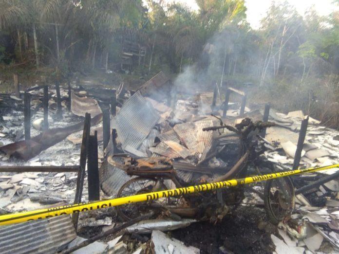 Rumah Habis Terbakar, Ayo Bantu Rio!