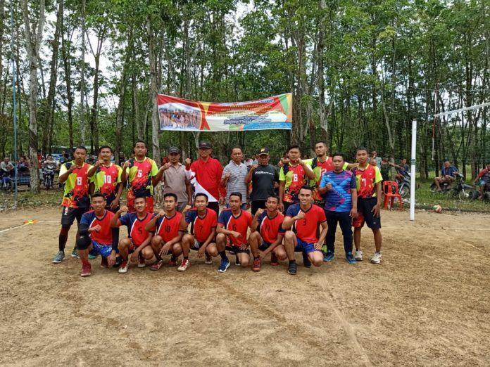Grand Final Volly Ball, Memperebutkan Piala Kepala Desa Kampung Baru