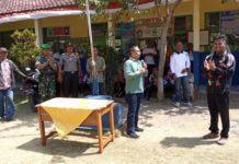 Anggota DPRD Ciamis, Berikan Penghargaan Guru Menghantarkan Siswa Berprestasi Otrad