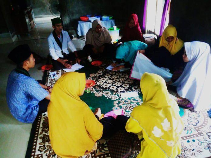 HMI Tarbiyah STAI JM Tanjung Pura, Adakan Pelatihan Kerajinan Tangan