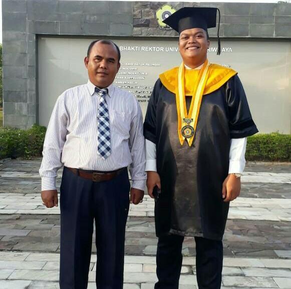 Anak Pedagang Kue Asal Tanjung Pura, Ini Profil Doktor Adri Huda