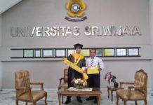 Anak Pedagang Kue Asal Tanjung Pura, Raih Gelar Doktor
