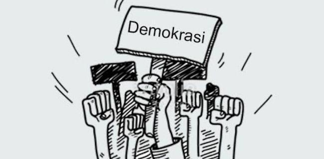 Cerpen Sang Pencetak Rekor Demokrasi