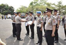 Kapolres Banjar, Berikan Penghargaan Kepada Anggota Polri Berprestasi