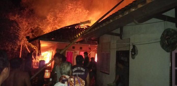 Diduga Korsleting Listrik, Rumah di Ciamis Ludes Terbakar