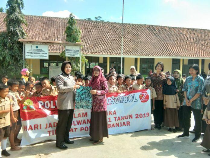 Polwan Banjar, Laksanakan Goes To School