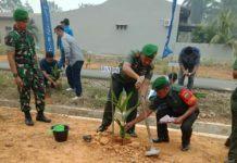 Dandim 0209 /LB, Tanam Pohon di Dusun