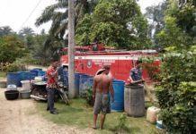 Kemarau Bilah Barat, Kades Salurkan Air Bersih Demi Warga