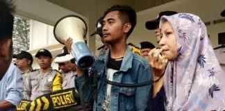 HMI Banjar, Paksa Masuk ke Ruang Rapat Paripurna DPRD