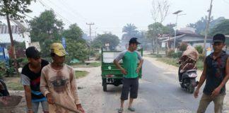 Jalan Rusak Labuhanbatu Selatan, Warga Kecewa dengan Perusahaan