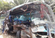 Bus PMH Vs Colt Diesel, 1 Korban Tewas 2 Luka Berat