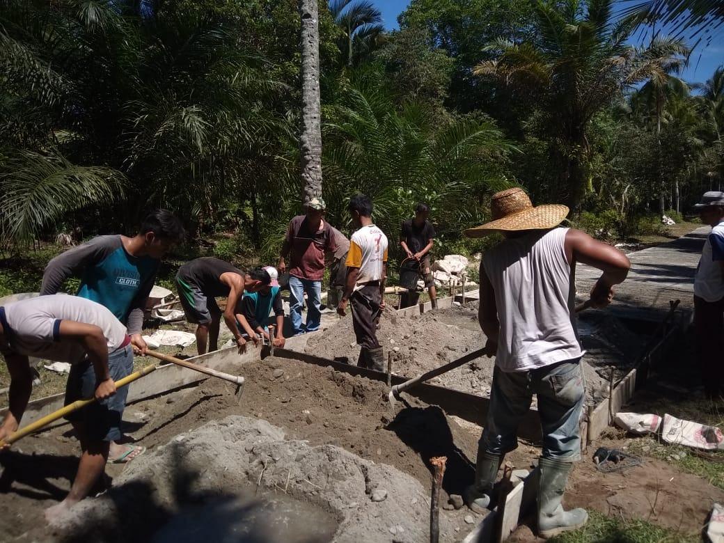 Untuk Meningkatkan Ekonomi, Masyarakat Dukung Pembangunan Di Desa Sibintang