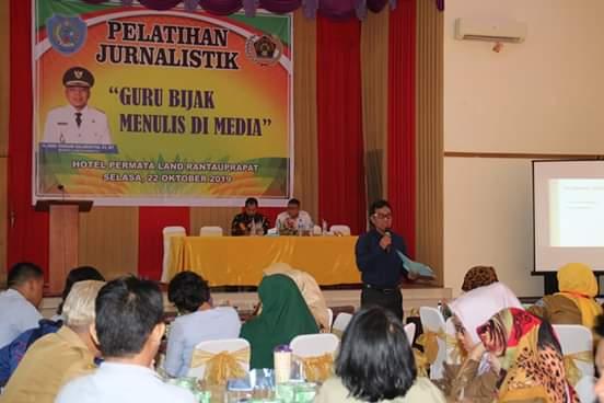 "PWI Labuhanbatu, Gelar Pelatihan Jurnalistik ""Guru Bijak Menulis di Media"""