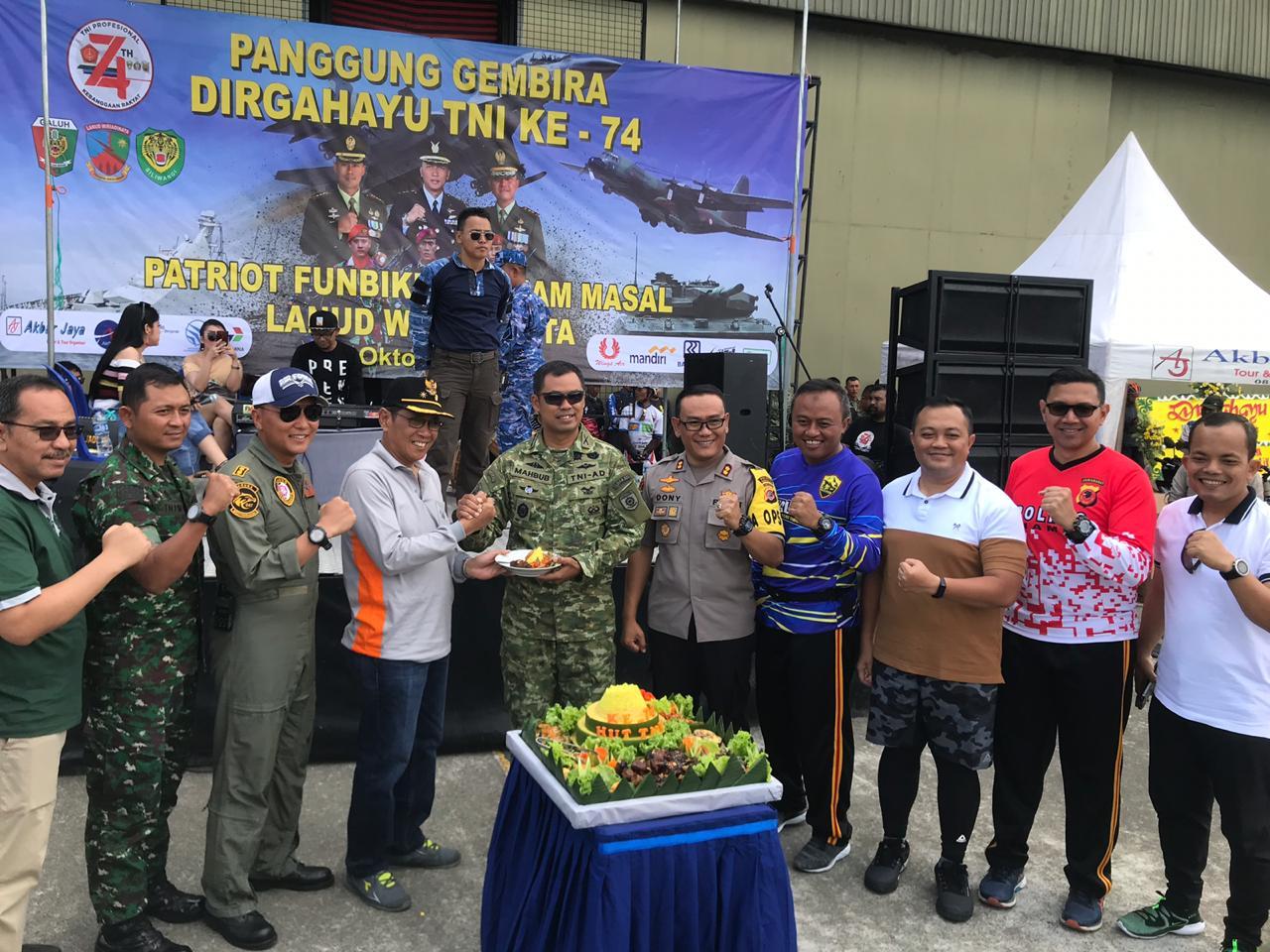 HUT TNI Ke-74, Kapolres Banjar Ikuti Kegiatan Patriot Funbike
