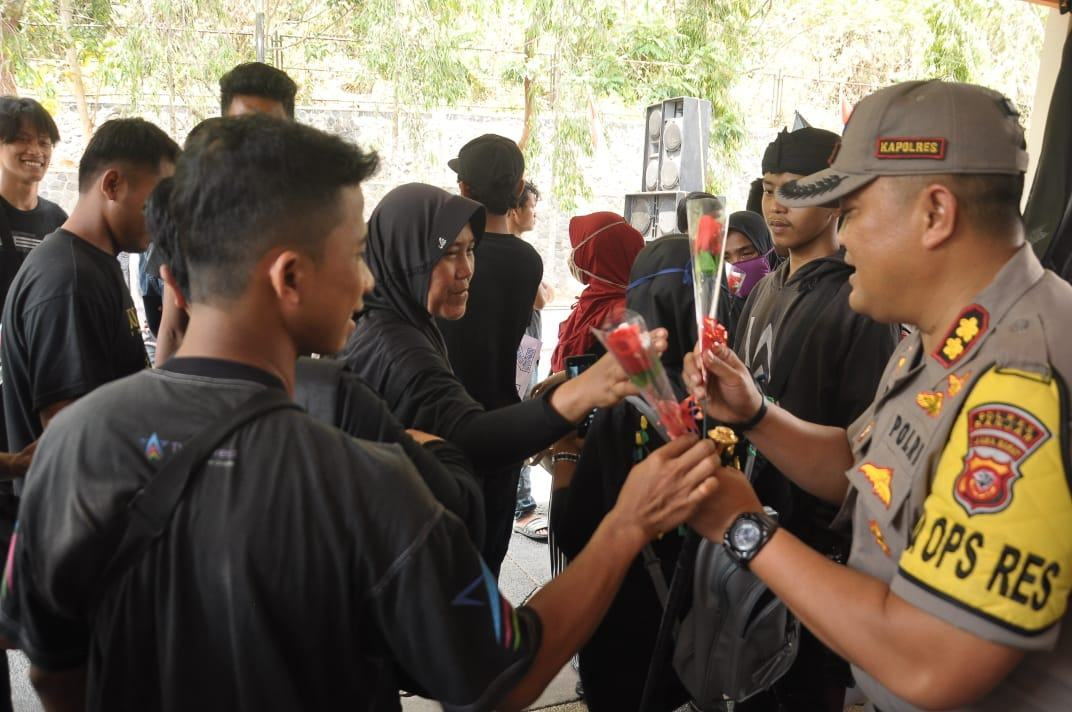 Aksi Buruh Banjar, di Kantor Walikota Dan DPRD Banjar