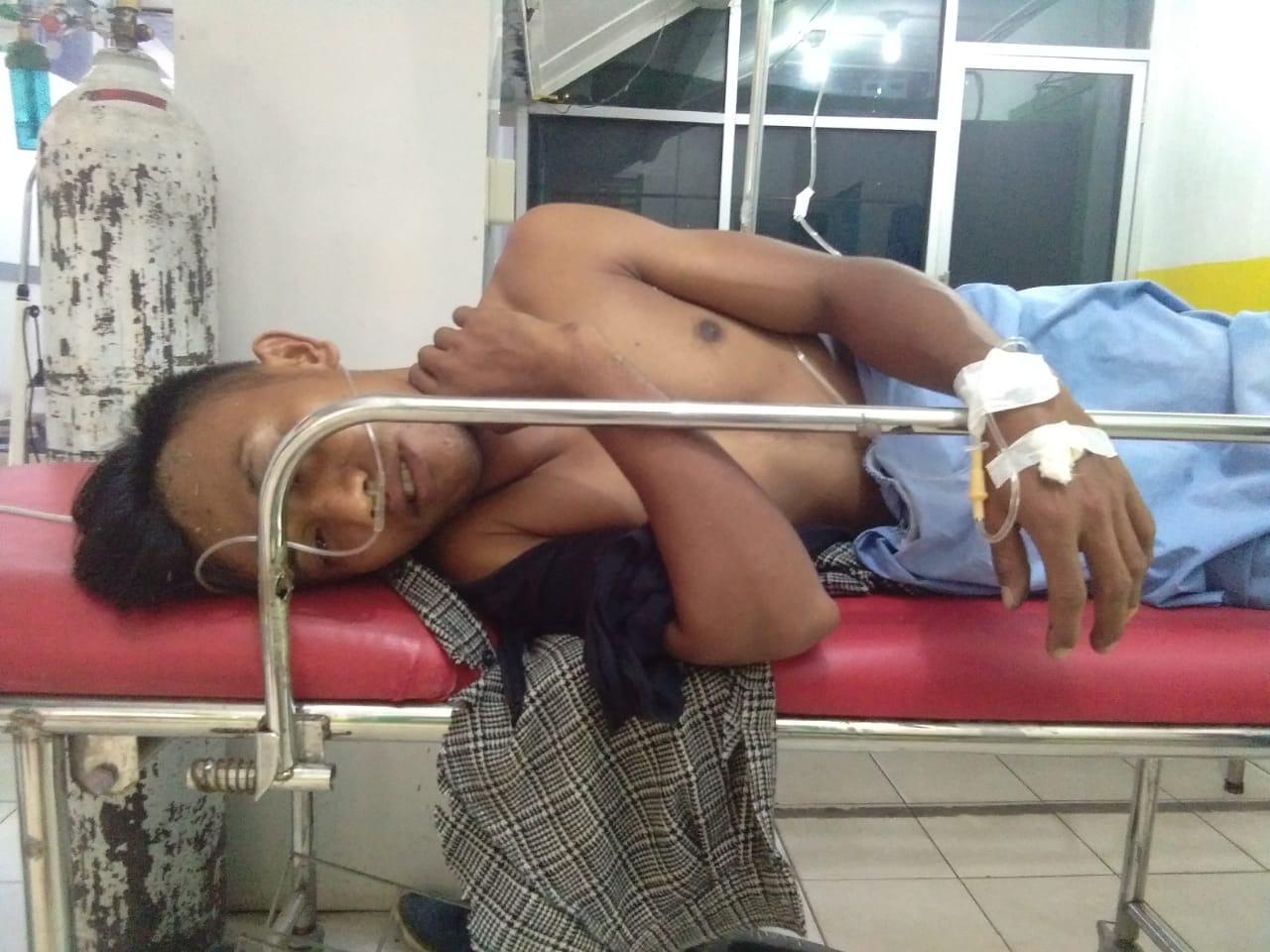 Tersengat Listrik, Dua Pria Labura Dilarikan ke Rumah Sakit