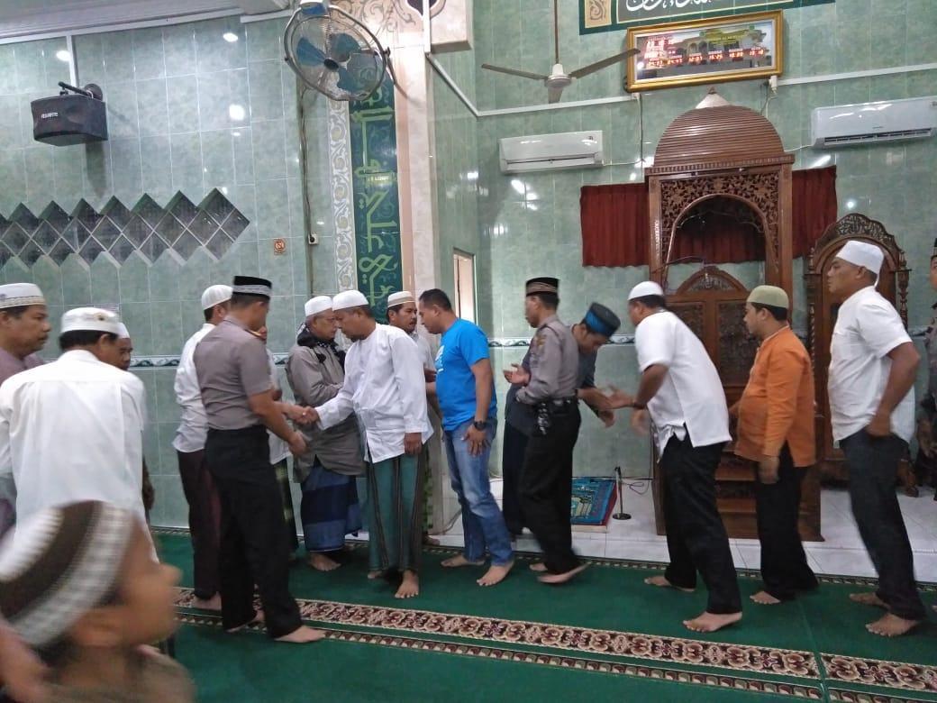 Kapolres Labuhanbatu, Bangun Silaturahmi Melalui Shalat Subuh Berjamaah