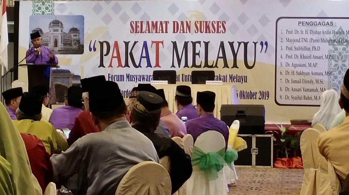 Pakat Melayu, Menghasilkan Delapan Maklumat