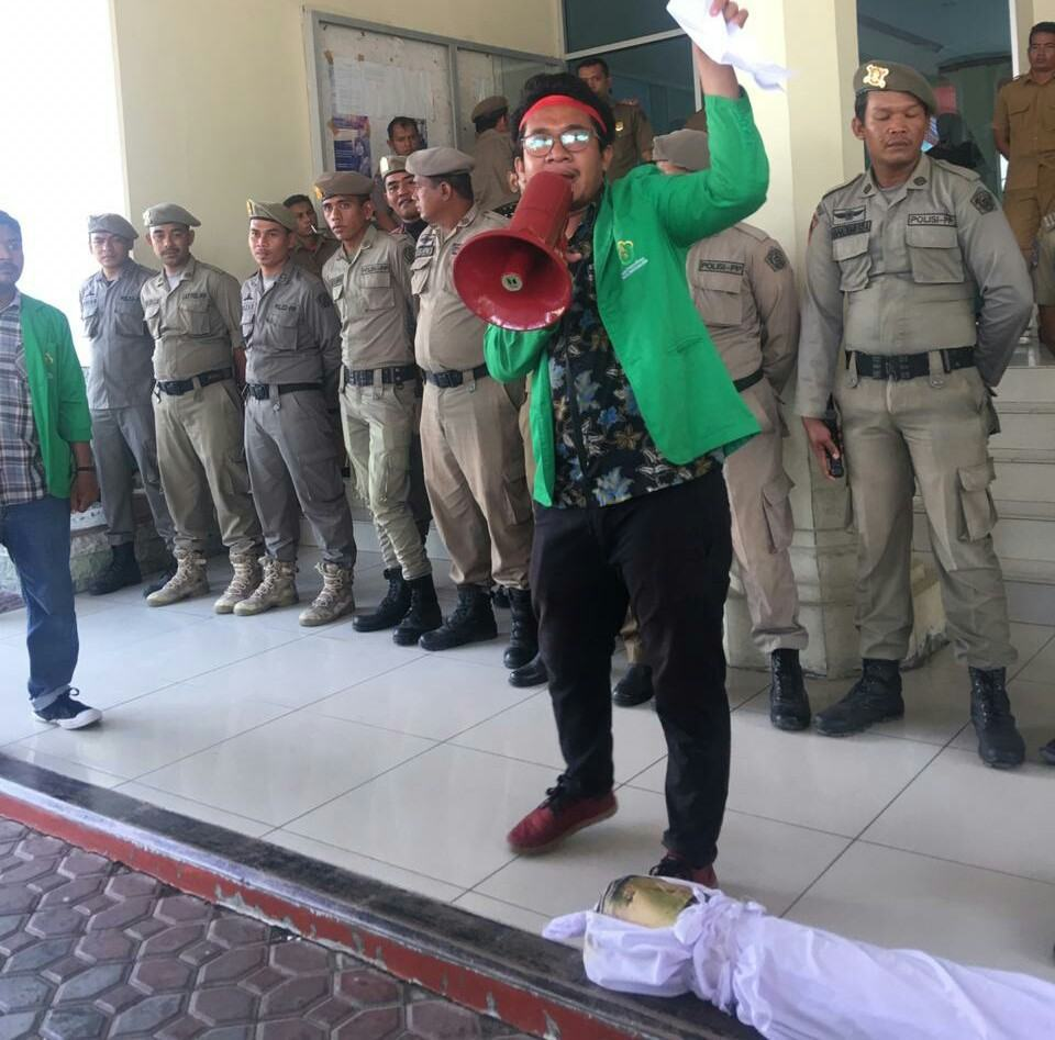 BEM FH Unimal, Pinta Hakim Vonis Bebas Warga Lhokseumawe Protes LPG