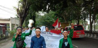 Mahasiswa Deli Serdang, Unjuk Rasa di Kantor DPRD