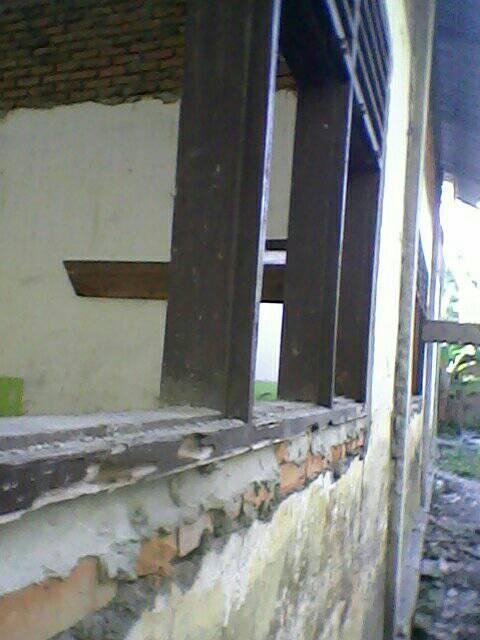 SDN 054917 Kebun Kelapa, Warga Sesalkan Pembangunan Rehab Asal Jadi