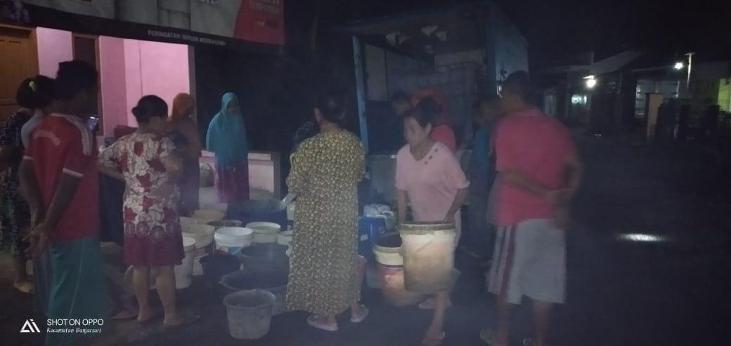 Bencana Kekeringan Ciamis, Warga Mengantri Hingga Larut Malam Demi Air Bersih