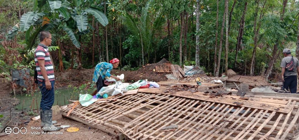 Diguyur Hujan Deras, Rumah di Ciamis Rata Dengan Tanah
