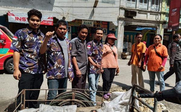 AMPI Rayon Bandar, Gotong Royong Tambal Jalan Yang Berlubang