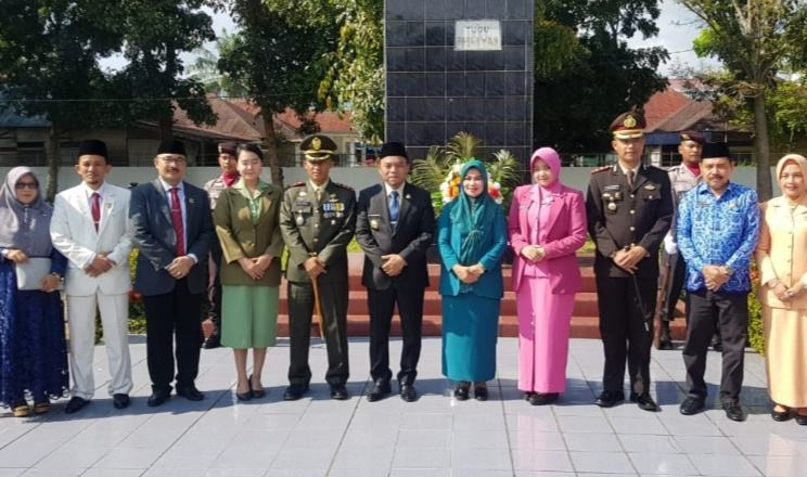 Hari Pahlawan, Kapolres Berziarah ke Makam Pahlawan Rantauprapat