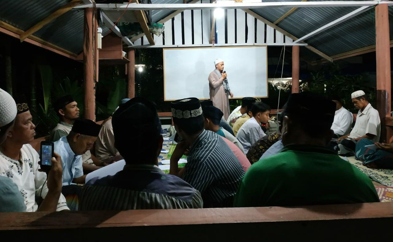 Bersama Pemuda, Dayah Ribatul Muta'allimin Gelar Dzikir Akbar