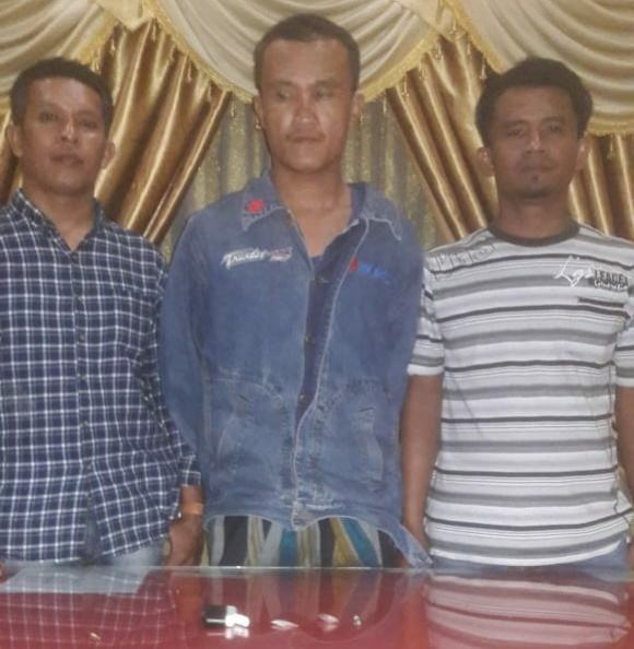 Polsek Kampung Rakyat, Ringkus Warga Jatuhkan Kotak