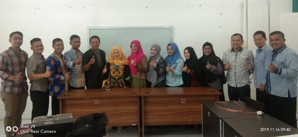 Guru Besar UIN-SU, Mahasiswa Ucapkan Selamat kepada Profesor Tien Rafida