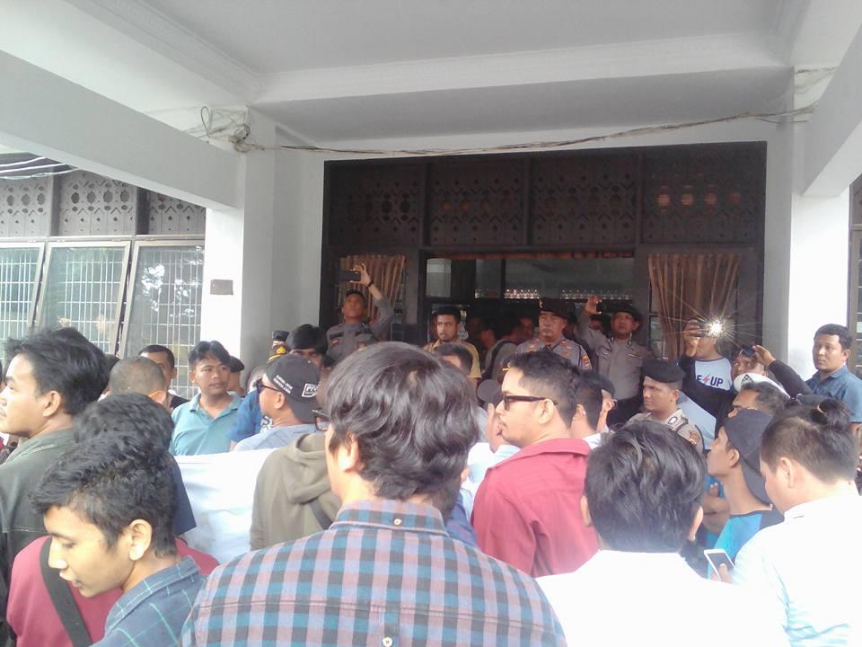 PU Medan Didemo, FP3SU: Bersihkan Pejabat Bermental Koruptor