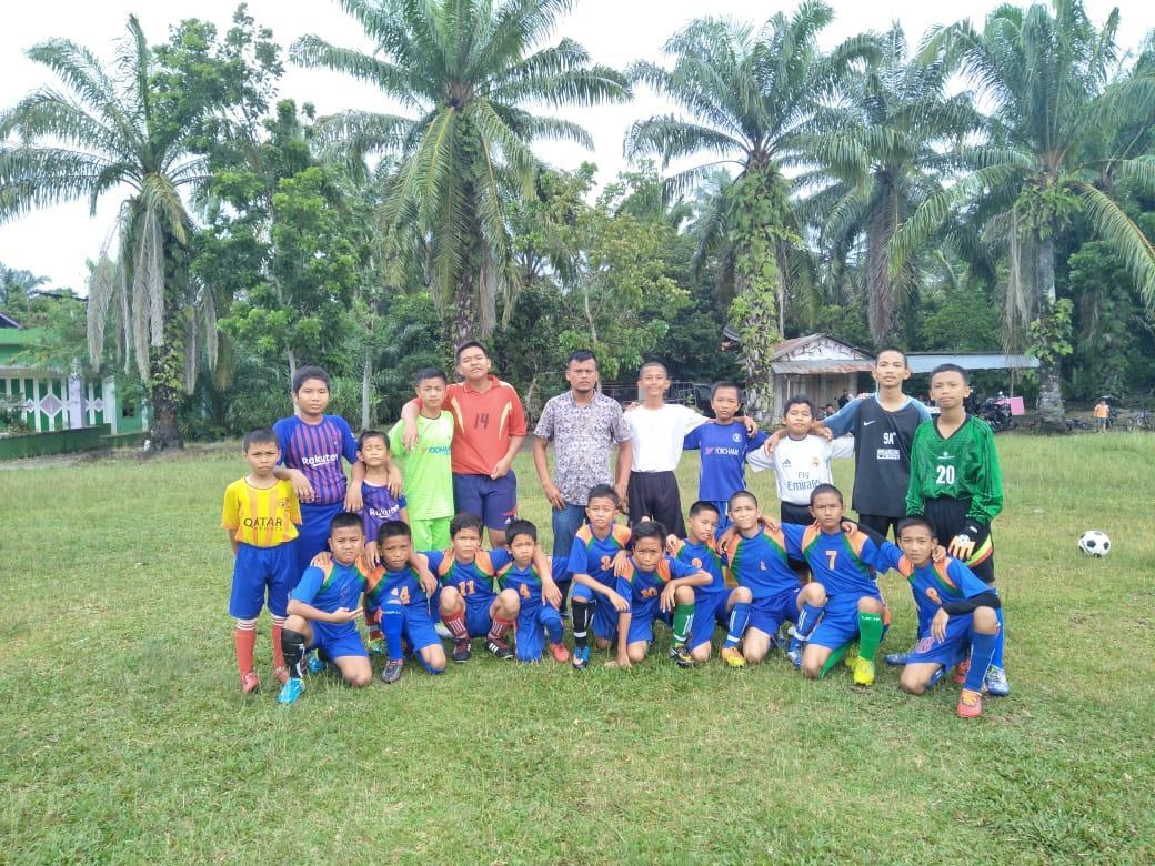 Barat FC, Siap Berlaga dan Tampil Beda di Labuhanbatu