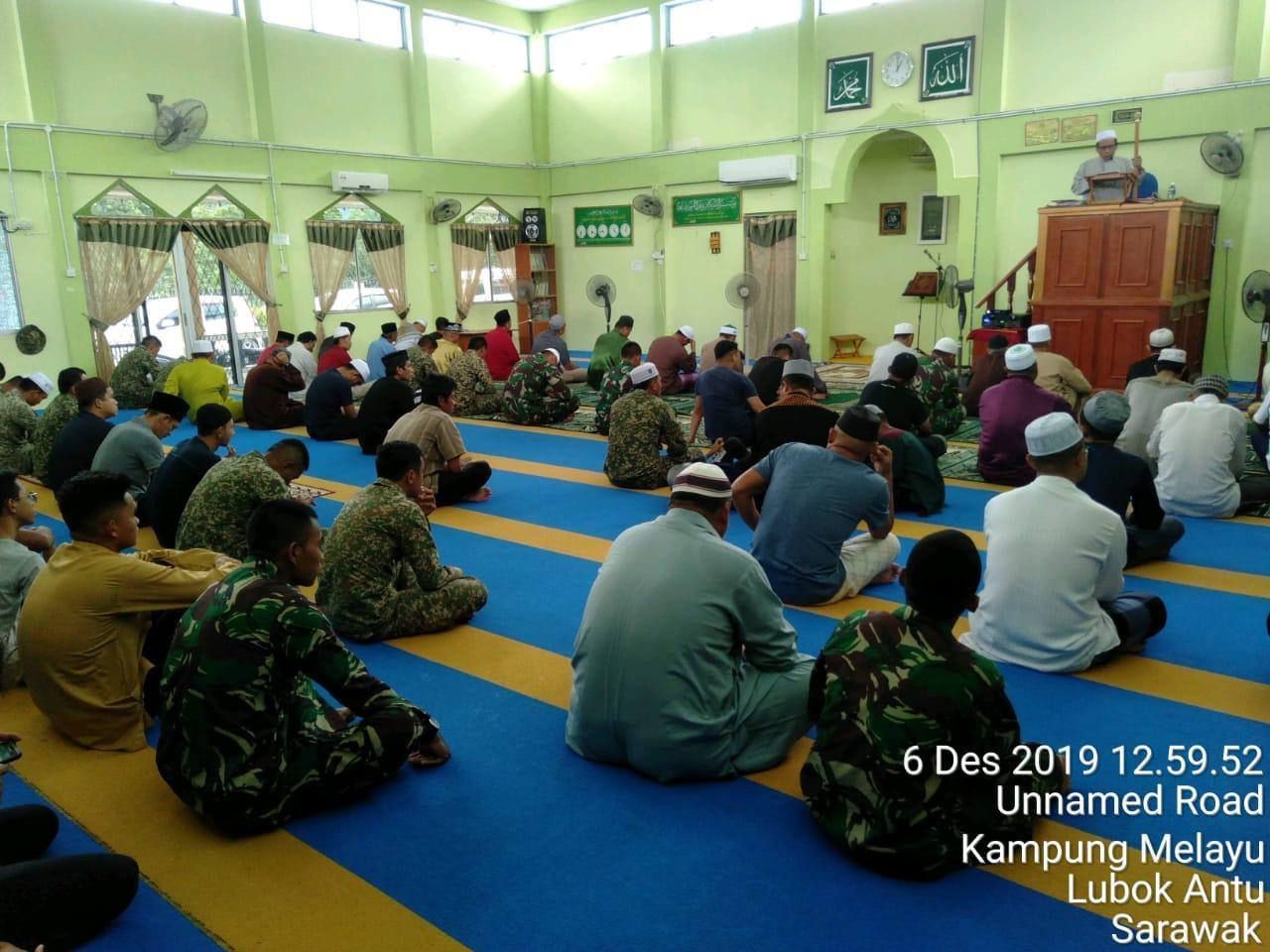 Satgas Pamtas RI-Malaysia dan TDM, Laksanakan Shalat Jum'at Bersama
