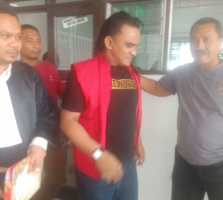 Pengadilan Negeri Labuhanbatu, Majelis Hakim Vonis Bebas Hendry Simangunsong